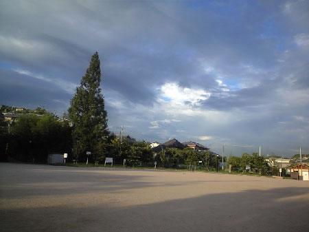 刷毛でサッとなでたような雲