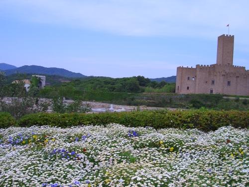 なんとなくお城と花畑(実はスペイン村)