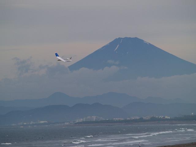 富士と模型飛行機