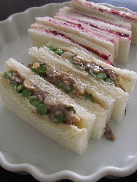 beefstroganofusandwich.jpg