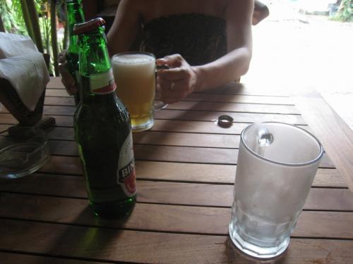 まずは!ビンタンビール!グラス冷え冷え~♪