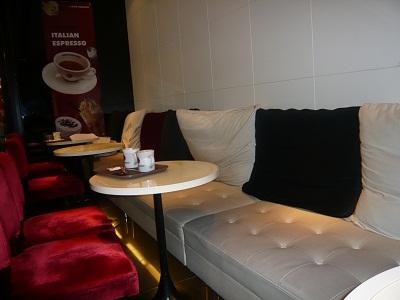 *駅のカフェ*