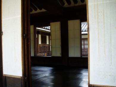 *明成皇后が宮中に入る前、宮中作法を学んだ場所*