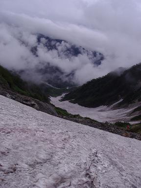 上から大雪渓
