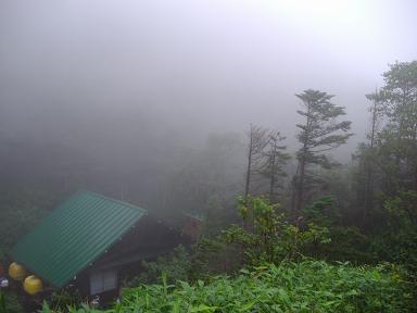 焼岳小屋の朝