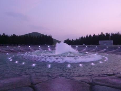 直径48mの大きな噴水です。