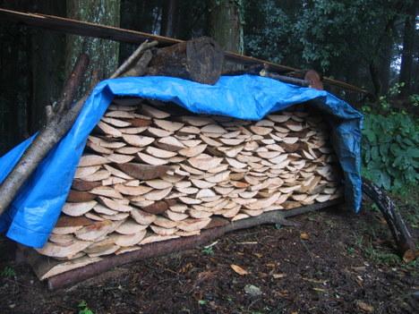 薪を作る 001