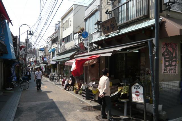 昭和の商店街の佇まいですね^^