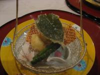 揚物:桜ふぐから揚げ春野菜海老網かご紅桜塩