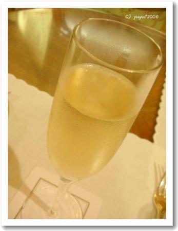 シャンパンはマム☆