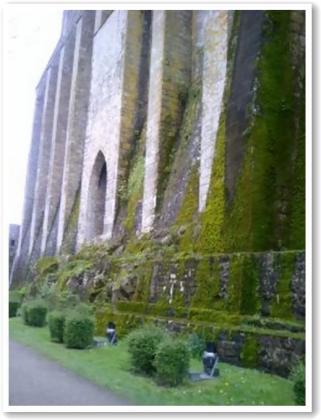 城壁のようです!