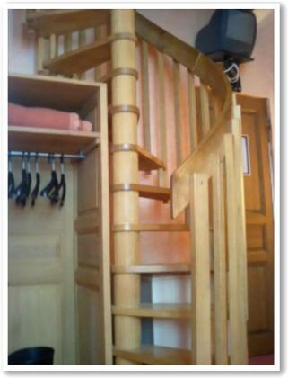階段をのぼると・・?