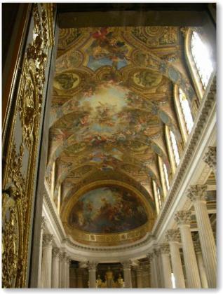 豪華な天井