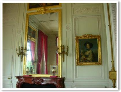 質素だけど、上品でかわいいお部屋