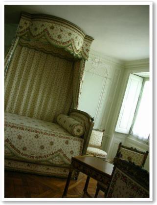 マリーのベッド