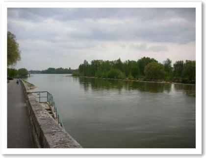 ロワール川沿い