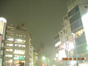 JR代々木駅スクランブル交差点2