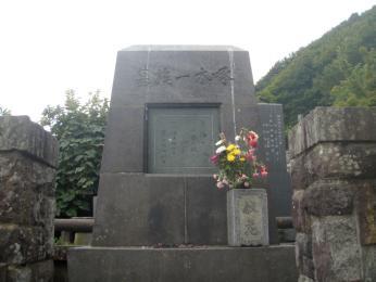 石川啄木一族の墓2