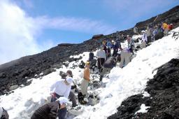 富士山雪かき