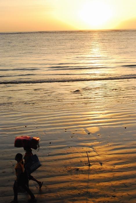 バリ島 クタビーチの夕暮れ